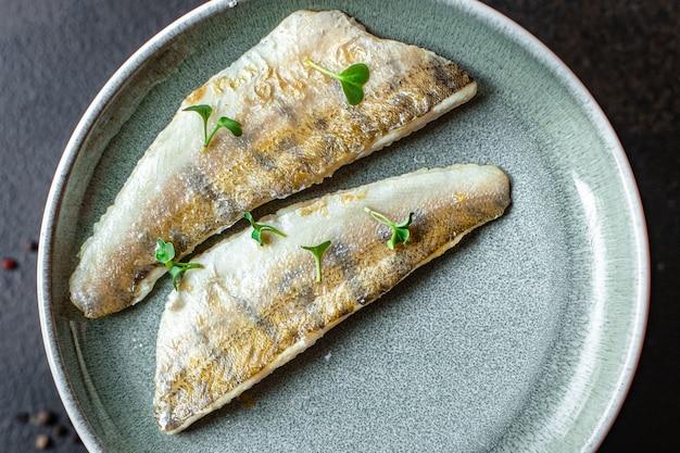 魚フライポテトセカンドコースパイクパーチ魚新鮮なシーフードミールスナックコピー宇宙食