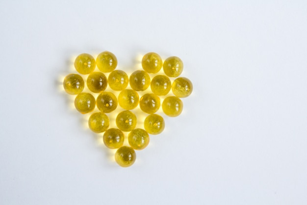 Fish oil capsules with omega