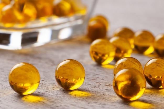 カプセルまたは錠剤の魚または亜麻仁油
