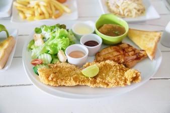Набор для рыбной свинины и куриного стейка