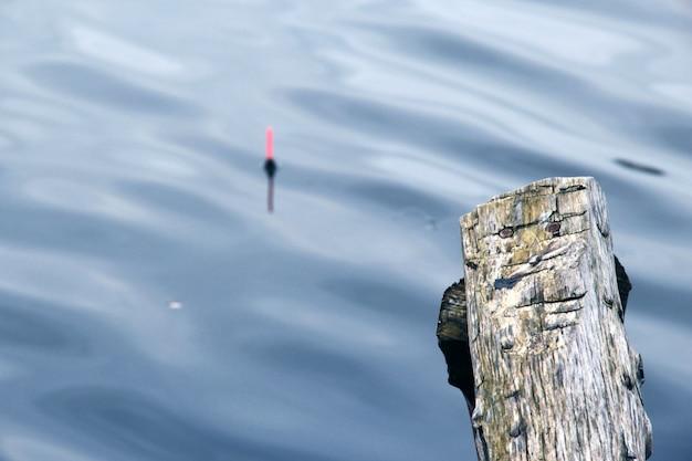 Размытие поплавка в рыбалке