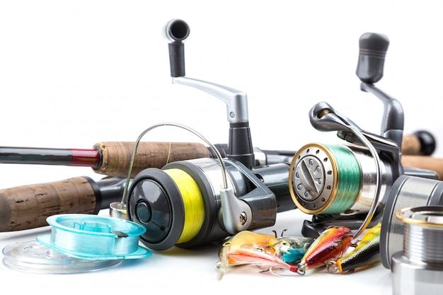 Рыболовные снасти - удочка, катушка, леска и приманки
