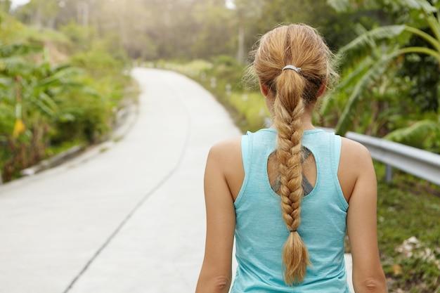 Концепция фитнеса и здорового образа жизни.