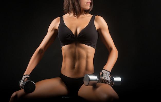 Фитнес женщина студия выстрелы