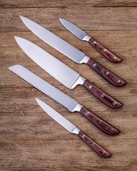 Пять кухонных ножей