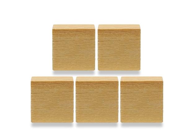 5 나무 큐브, 흰색 배경에 고립 된 나무 기하학적 모양 큐브