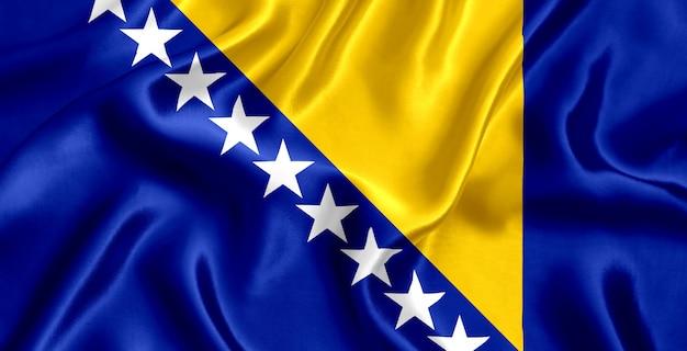 보스니아 헤르체고비나 실크 근접 배경의 국기