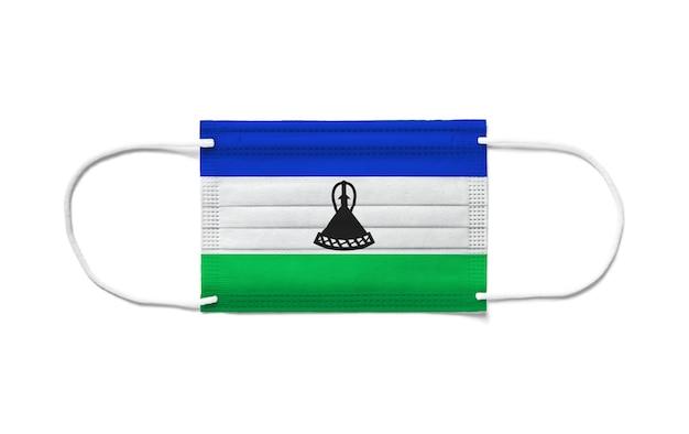 일회용 수술 용 마스크에 레소토의 국기.