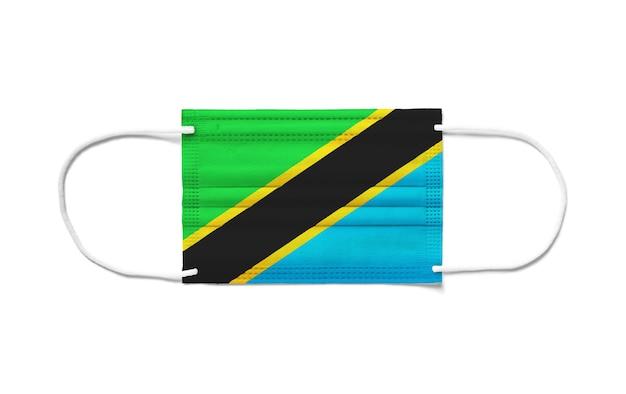 Флаг танзании на одноразовой хирургической маске