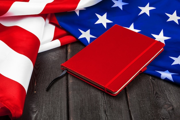 아메리카 합중국의 국기입니다. 재향 군인, 기념관, 독립 및 노동절의 미국 휴가.