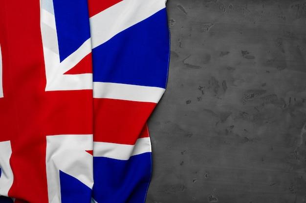 회색 배경, 복사 공간에 영국의 국기
