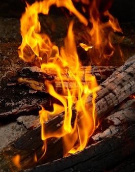 薪の炎のヒント。