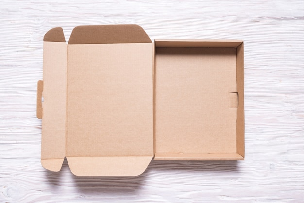 편평한 판지 상자