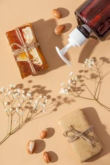 Disposizione piatta del prodotto per la cura dell'olio di argan