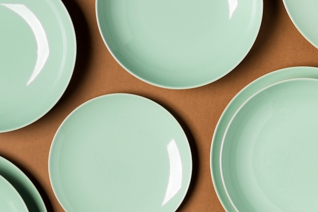 Flat lay arrangement of different sized plates