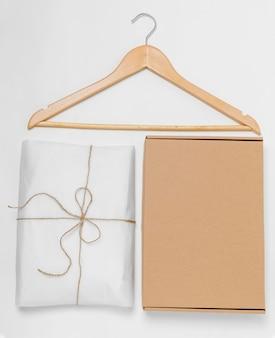 リサイクル可能なパッケージのフラットレイ配置