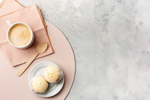 コーヒーとケーキの平置き