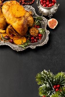 Плоский ассортимент вкусных рождественских блюд с копией пространства