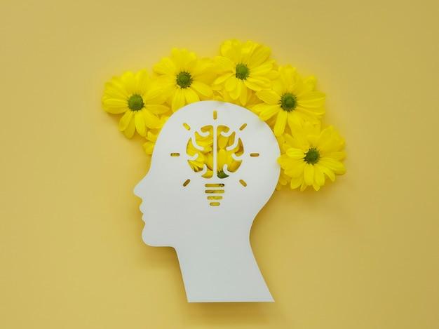 Плоский ассортимент концепции оптимизма с цветами