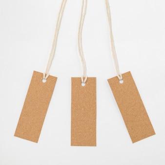 リサイクル可能な包装タグのフラットレイの品揃え