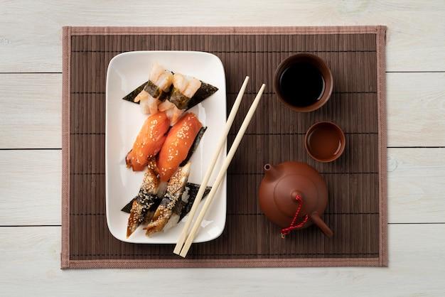寿司グッズのフラットレイの品揃え
