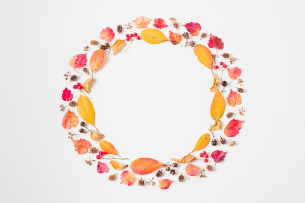 Flat lay autumn leaves double frame