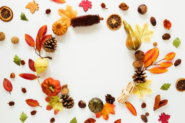 Flat lay autumn leaves with copy space