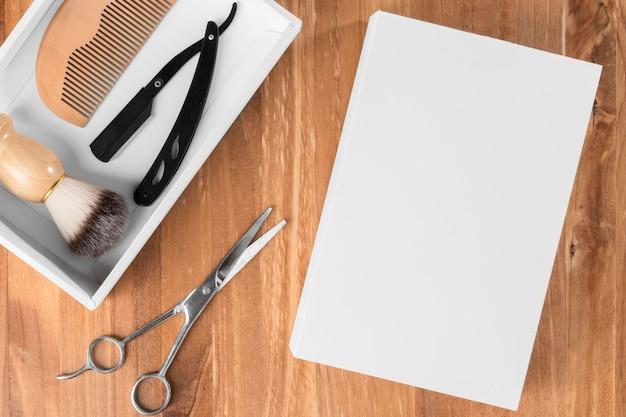 Плоские инструменты парикмахерской с коробкой