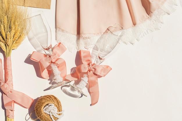 복사 공간 플랫 누워 아름다운 결혼식 구성