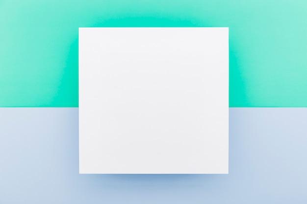 Lay piatto di carta menu vuoto