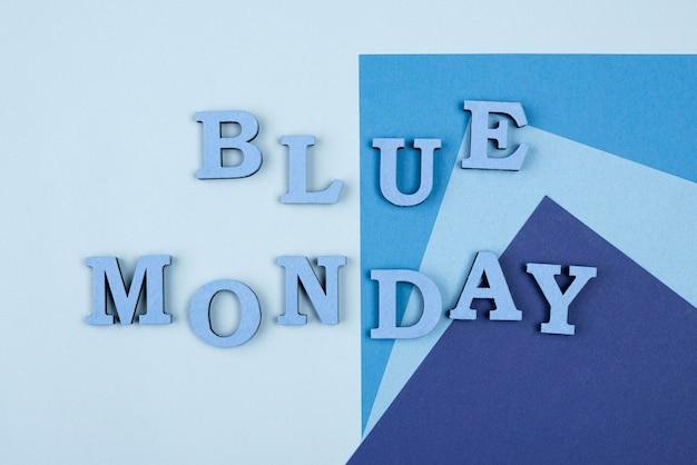 Lay piatto di carta lunedì blu