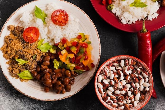 평평하다 브라질 음식 배열