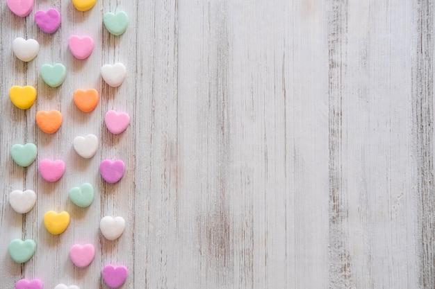 플랫 누워 캔디 하트 패턴-발렌타인 데이 파스텔 무지개 대화 하트 캔디 디자인