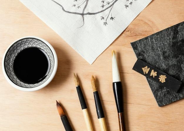 Плоская композиция китайских чернил