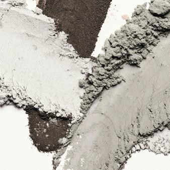 Плоское пятно глины