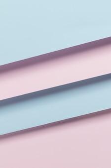 Плоские раскладные красочные шкафы на столе