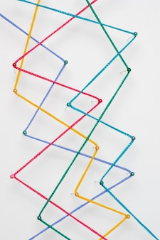 Disposizione dei fili colorati piatti