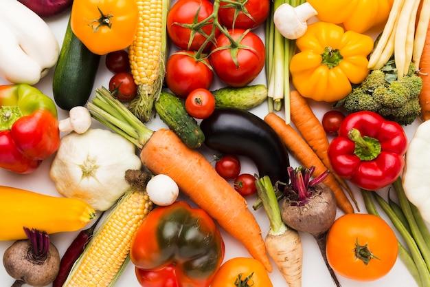 Плоская планировка красочная композиция из овощей