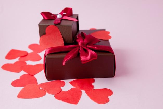 誕生日、母、バレンタインデーまたは結婚式のためのフラットレイ構成