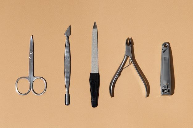 Плоский состав средств по уходу за ногтями