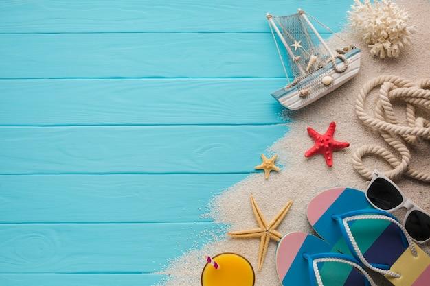 Плоская планировка песочных и пляжных аксессуаров