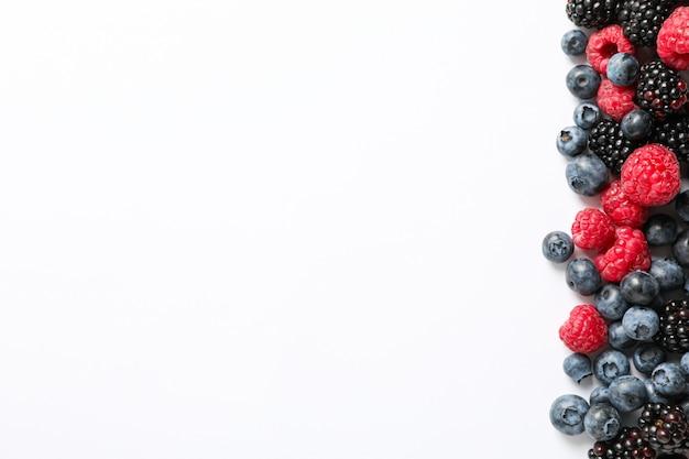 Плоская композиция для ягод с местом для текста
