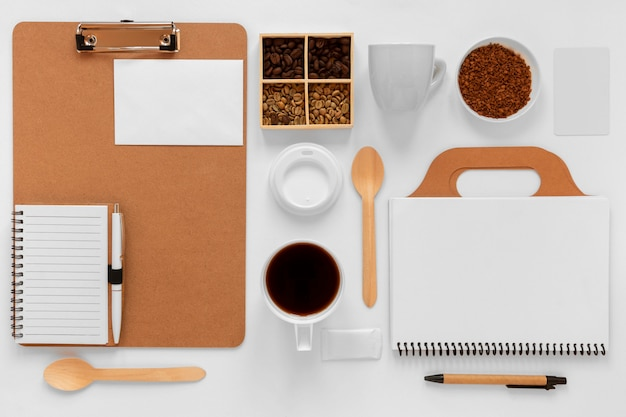 Плоский креативный ассортимент кофейных элементов