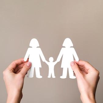 コピースペースとフラットレイアウトかわいいlgbt家族の概念の配置