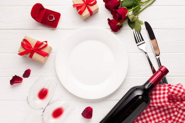 Flat lay decoration with plate and cutlery