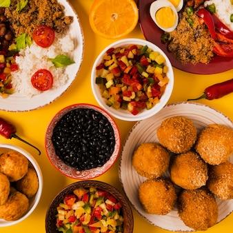 평평하다 맛있는 브라질 음식 구성