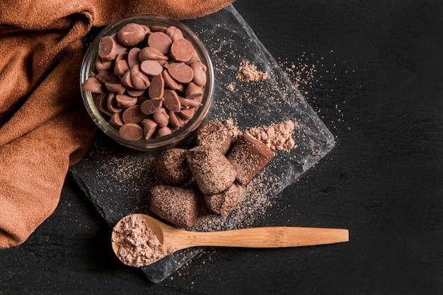 フラットレイアウトのおいしいチョコレートスナック