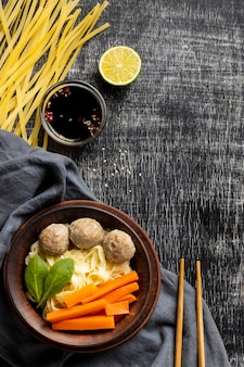 Piatto delizioso bakso indonesiano