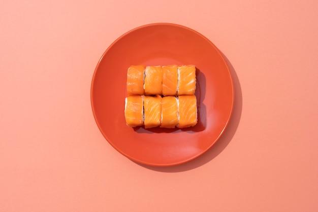 Disposizione di sushi deliziosa piatta