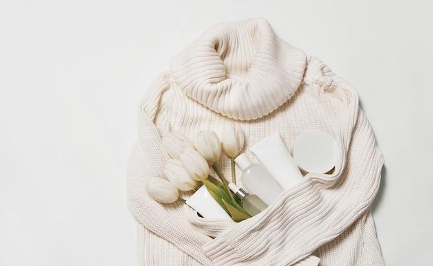 フラットレイフラワーと化粧品。ナチュラルケア化粧品とスパ。